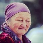 Old Kyrgyz lady